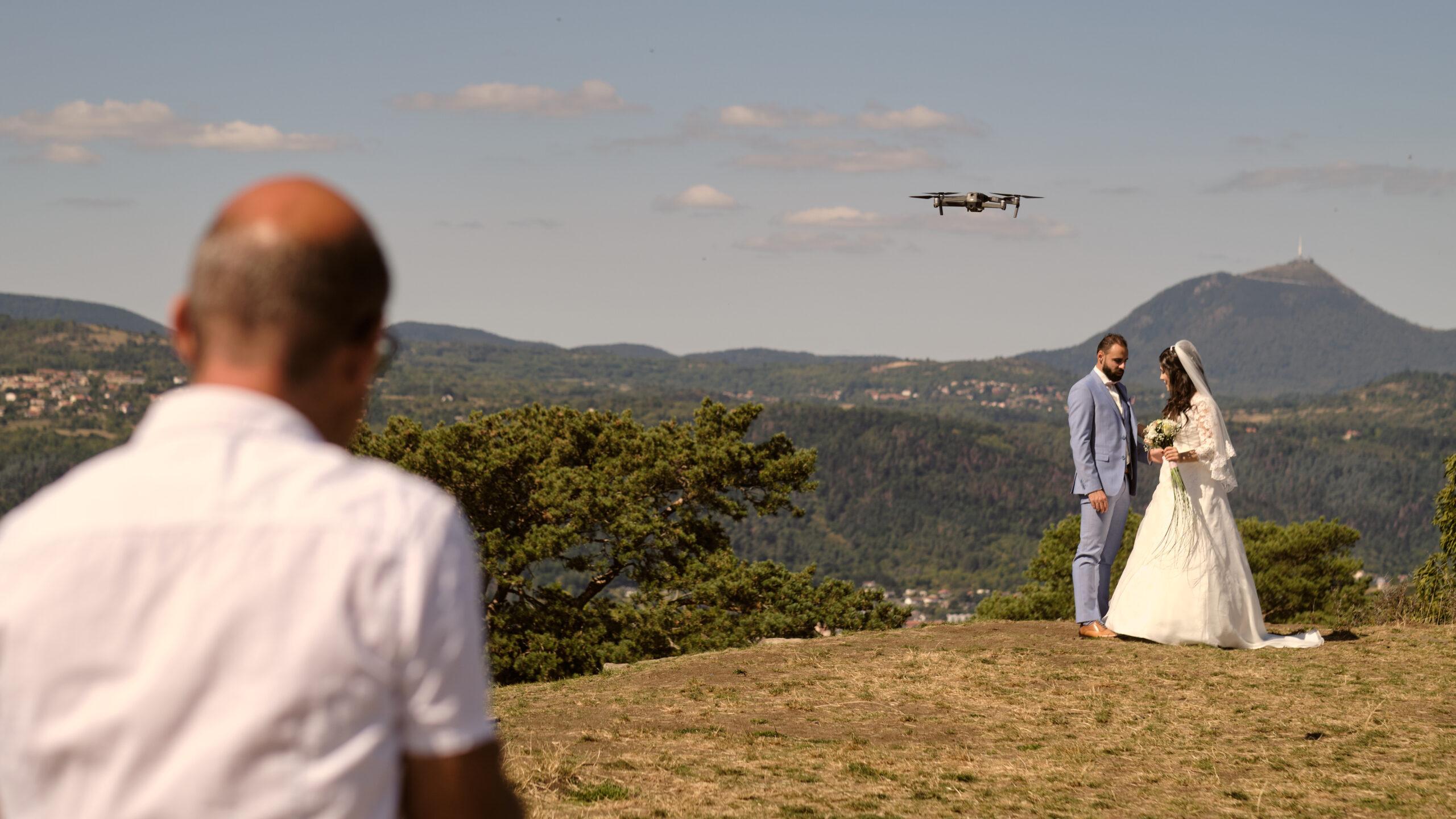 Un drone a mon mariage. Photo : Daydream Photographie – Olivier Schram.