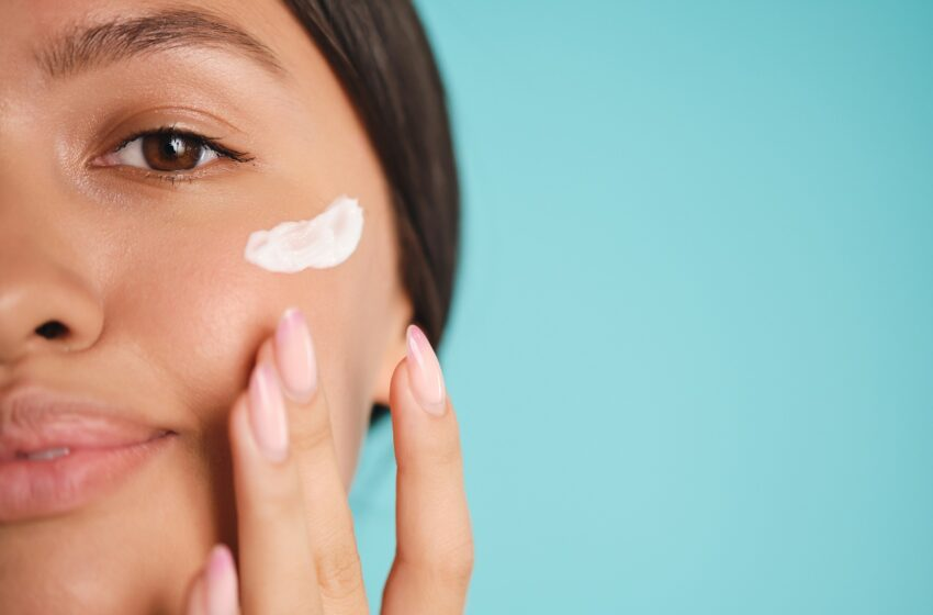 10 Things Women With Perfect Skin Do Every Day